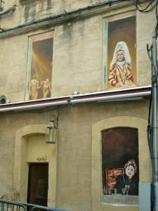 Le théâtre sur les façades d'Avignon