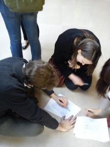Paul et Mallory décryptent le labyrinthe du Louvre