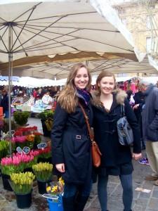 Les filles de SBC au marché d'Uzès